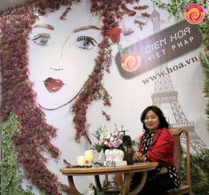 Chị Ngô Thị Hồng An là người đi tiên phong trong lĩnh vực cắm hoa nghệ thuật ở miền bắc.