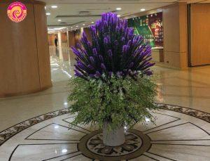 Lan Lân kỳ ngộ là sự kết hợp của hàng trăm cành hoa kỳ lân và phi yến.