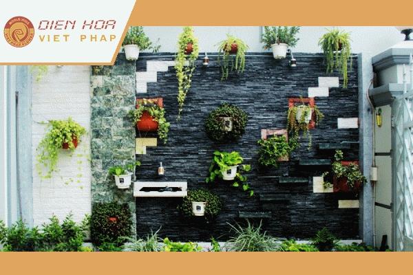 Vườn hoa dạng treo là một ý tưởng khá hay cho các căn hộ mini