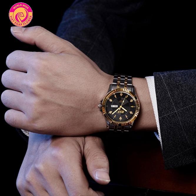 Đồng hồ đeo tay rất cần thiết với người làm báo