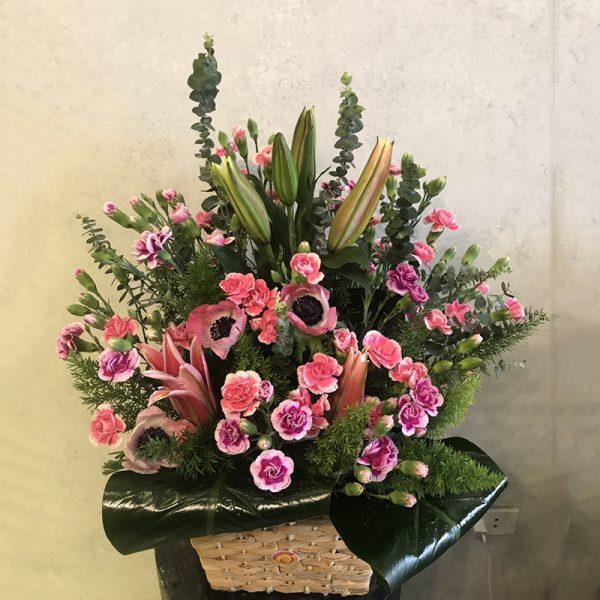 Bó hoa mix Cẩm Chướng Ly là món quà tuyệt vời dành cho bố mẹ nhân ngày 28/6