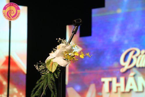 hoa tươi trang trí sân khấu