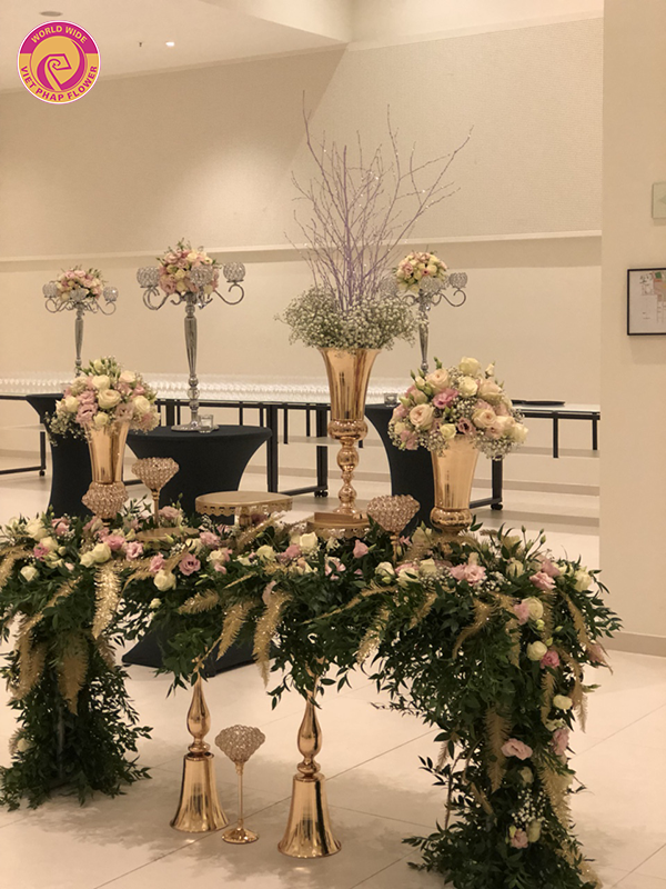 Làm thế nào để những đoá hoa trong tiệc cưới trở nên hoàn hảo?