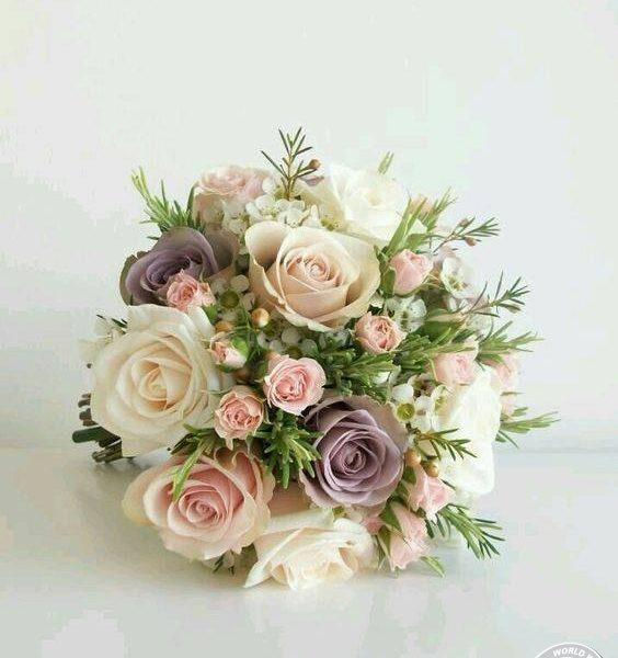 Hoa cầm tay cô dâu xưa và nay