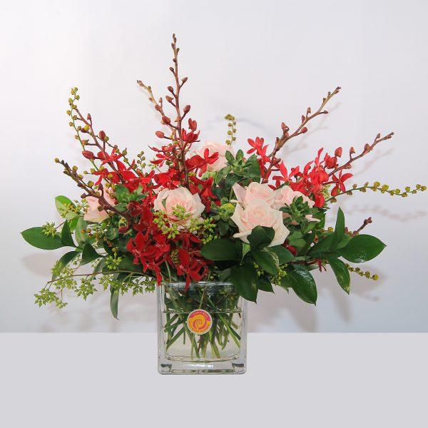 lọ hoa để bàn chúc mừng