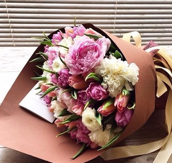Hoa tặng mẹ ngày 20/10