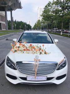 Hoa xe cưới trang trọng