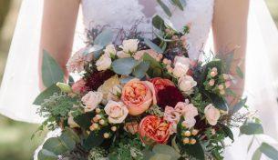 5 mẫu hoa cầm tay cô dâu mới độc đáo và tinh tế nhất