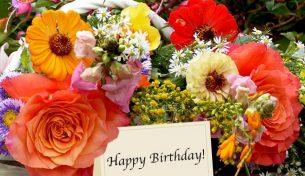 Hoa chúc mừng sinh nhật là món quà tuyệt vời và rất ý nghĩa