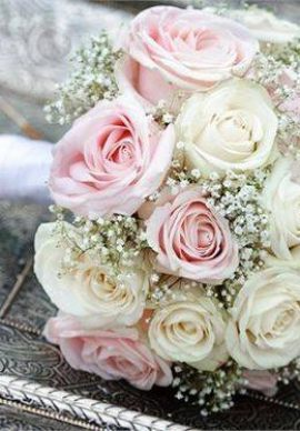 Hoa cưới cầm tay cô dâu 03