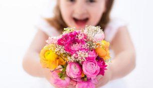 Cách chọn hoa sinh nhật ý nghĩa, phù hợp với mọi lứa tuổi