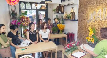 Tham gia khóa học cắm hoa tại Hà Nội của Hoa Việt Pháp