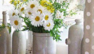 Những cách cắm hoa sáng tạo giúp căn nhà thêm rực rỡ