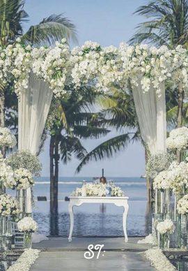 Tiệc cưới trắng